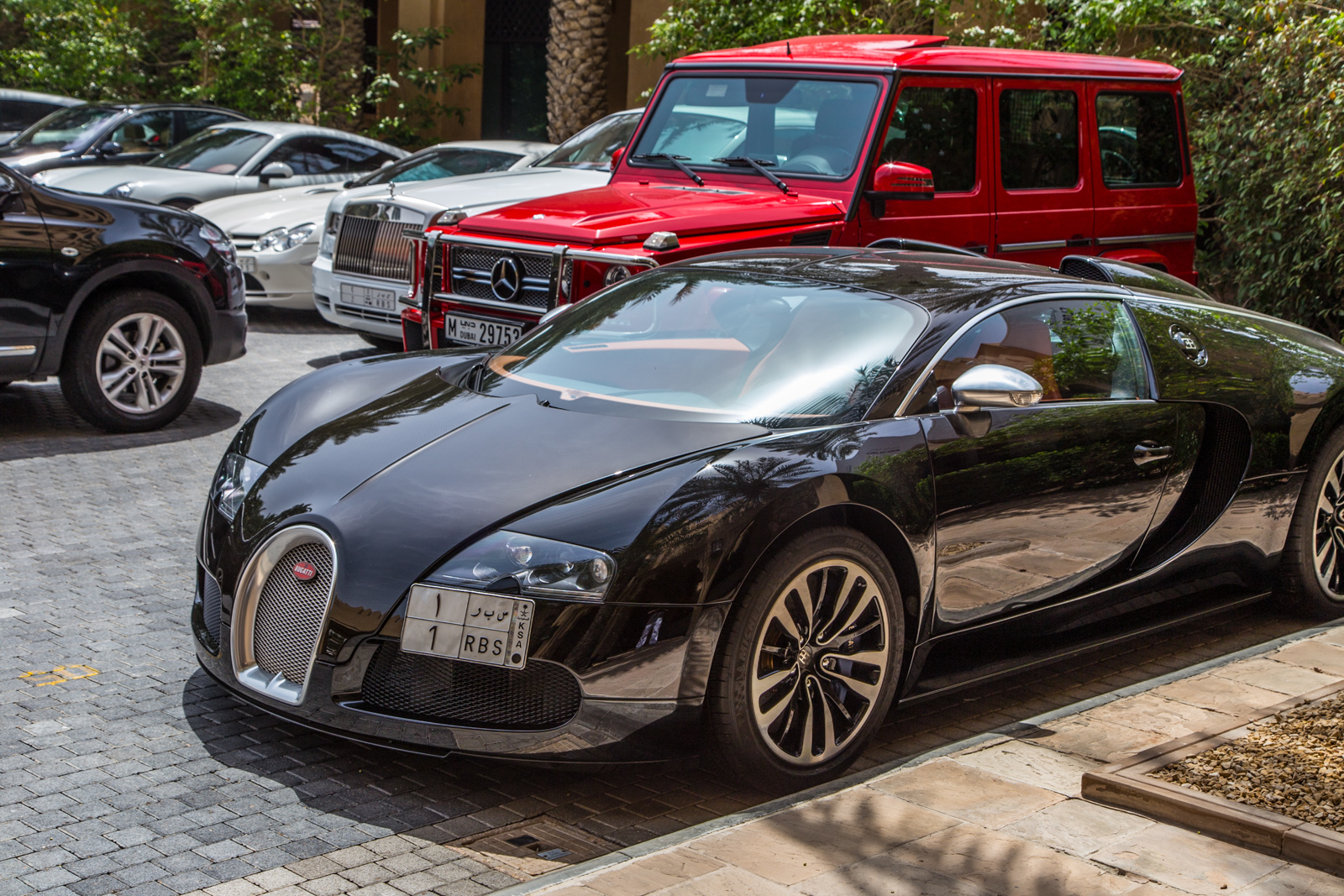 Interlude: the cars of the Emirates