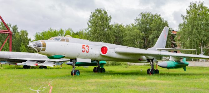 Cars and planes: the vintage auto museum of Moscow and the Central Air Force museum of Monino